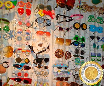 f64b5aa82196f Maior coleção de óculos exóticos, RankBrasil - Recordes Brasileiros