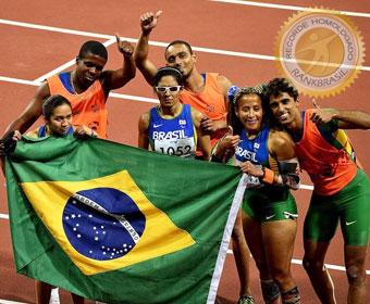 Primeiro pódio triplo em Paralimpíadas