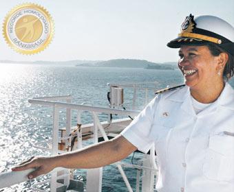 Primeira mulher brasileira a comandar um petroleiro