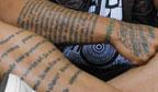 Maior número de palavras tatuadas