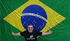 Maior número de autógrafos de esportistas em uma bandeira do Brasil