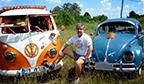 Maior mosaico com veículos VW antigos