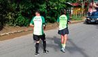 Maior percurso correndo de costas em dupla