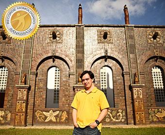 Primeiro turismólogo com Síndrome de Down em exercício