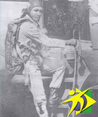 Primeiro paraquedista a saltar sem instrumentos