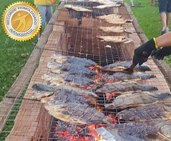 Maior churrasco de peixe