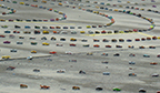 Maior número de miniaturas de carros enfileiradas