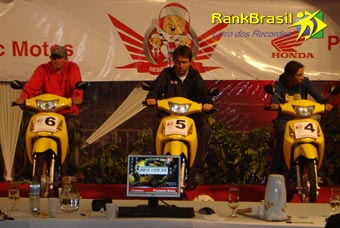 Maior resistência em posição de piloto em uma moto