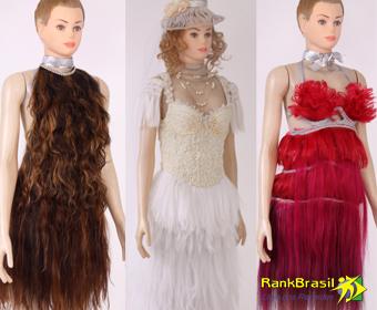 Maior coleção de roupas confeccionadas com cabelos humanos