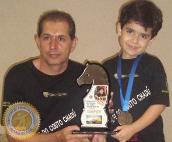 Mais jovem campeão de xadrez rápido sub 08 em torneio oficial do Brasil