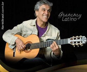 Caetano Veloso vira personalidade do ano no Grammy