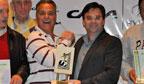 Golfistas do grupo Catraca recebem o troféu RankBrasil