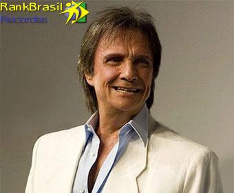 Cantor brasileiro que mais vendeu discos