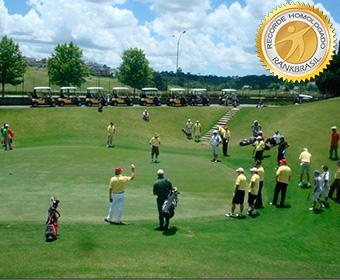 Jogo de golfe com maior número de participantes