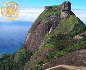 Maior bloco de pedras à beira mar do Brasil