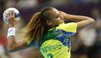 Primeira brasileira eleita melhor jogadora de handebol do mundo