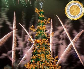 Maior árvore de Natal flutuante