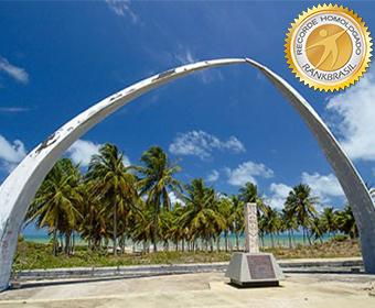 Primeiro monumento em estrutura de concreto armado representativo ao descobrimento do Brasil