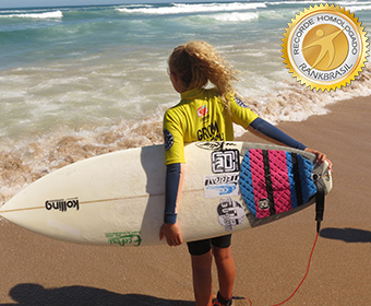 Mais jovem surfista feminina