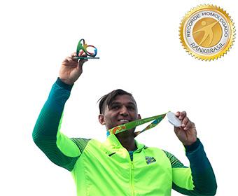 Primeiro brasileiro a conquistar três medalhas em uma mesma Olimpíada