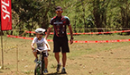 Professor que ensinou mais alunos a andarem de bicicleta