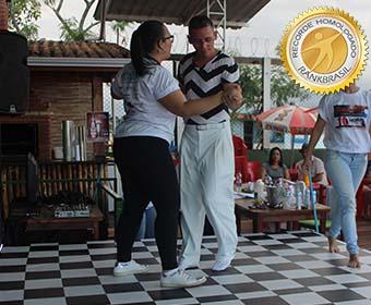 Dança de salão com maior número de parceiras