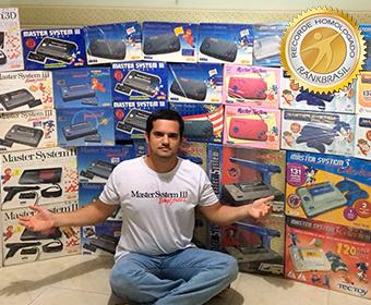 Maior coleção de consoles de videogames Master System Tectoy