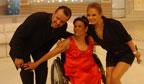 Mais idosa dançarina cadeirante
