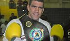Pugilista com maior número de lutas por título brasileiro