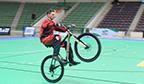 Maior tempo empinando uma bicicleta