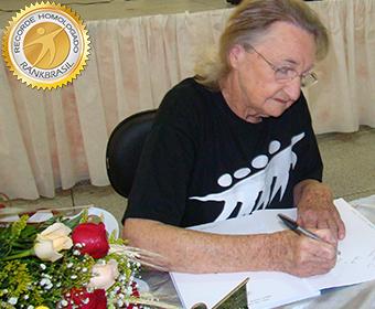 Mais idosa a lançar um livro no Brasil