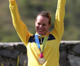 Primeira brasileira a conquistar ouro no tiro em Pan-Americanos
