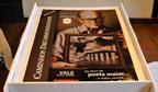 Primeira revista gigante a homenagear Carlos Drummond de Andrade