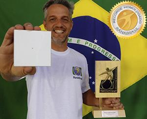 Menor bandeira do Brasil