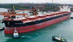Maior cargueiro do mundo atraca pela primeira vez no Porto de Tubarão