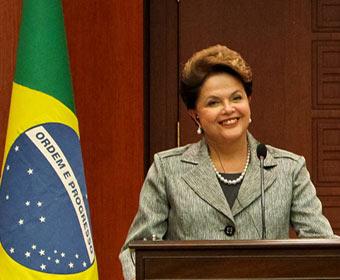 Dilma tem aprovação recorde de 77%
